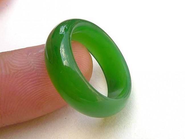 【韵玉阁】一级白项链 碧玉戒指 翡红竹节 满绿无事牌 戒指_翡翠