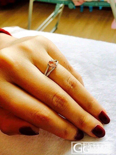 温柔的帕帕拉恰 如同绽放指间的莲花_戒指刻面宝石蓝宝石