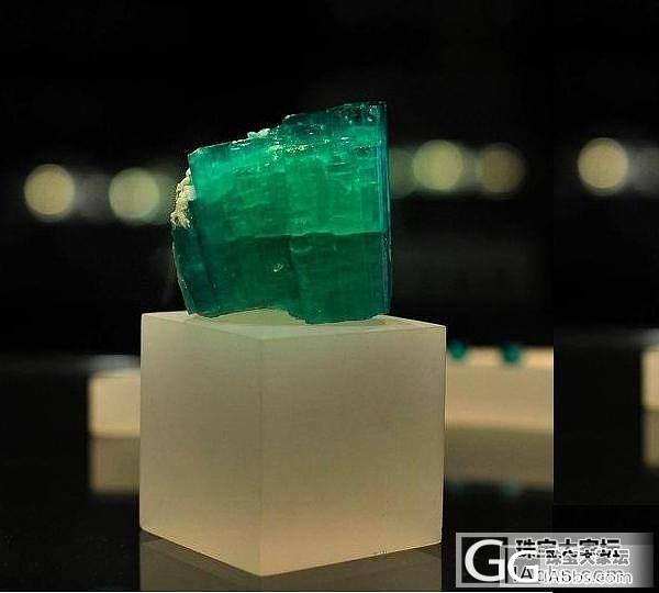 花200万购的哥伦比亚地址博物馆祖母绿国内300万卖_宝石