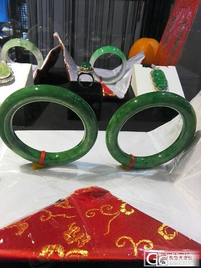 继续看上海珠宝展览漂亮手镯图_手镯翡翠展会