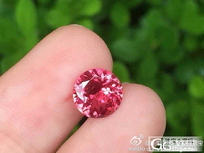 【尖晶石】1.73ct无烧马亨盖尖晶石,正圆切割,璀璨的火彩_上海皇家蓝彩宝