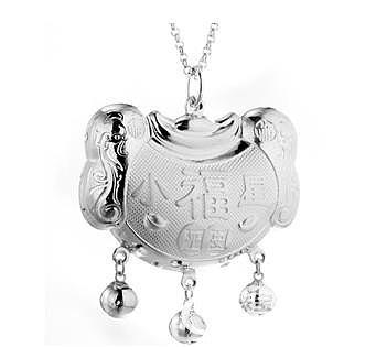 佩戴银饰对身体的几大功效你知道几个_珠宝