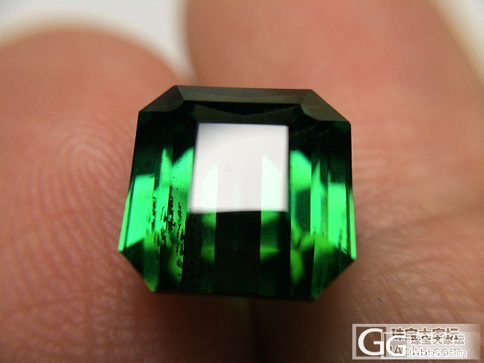 超级干净美艳的4.565ct纳米比亚绿碧玺_碧玺刻面宝石