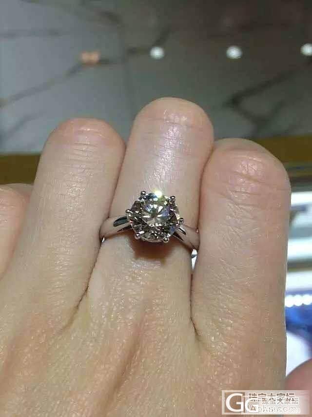 母亲节,特惠3克拉钻石现货一枚,价格美好,无需等待,母亲节特惠价:168000元。_钻石