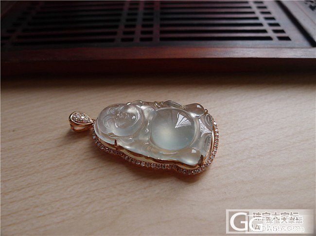【小蛋蛋美玉】玻璃种笑佛吊坠 售价13800 微信号:feicui200_小蛋蛋美玉店