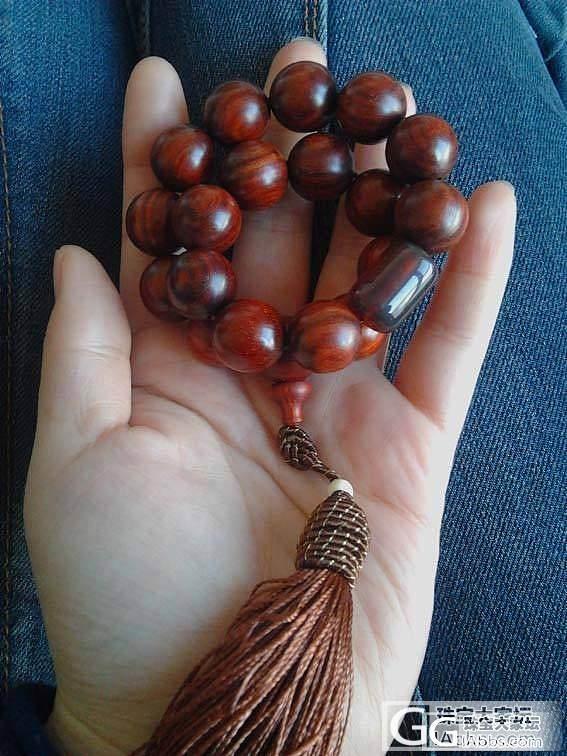 大猫窝的小叶紫檀18子手持、手串和0.9的蜜蜡桶珠_文玩