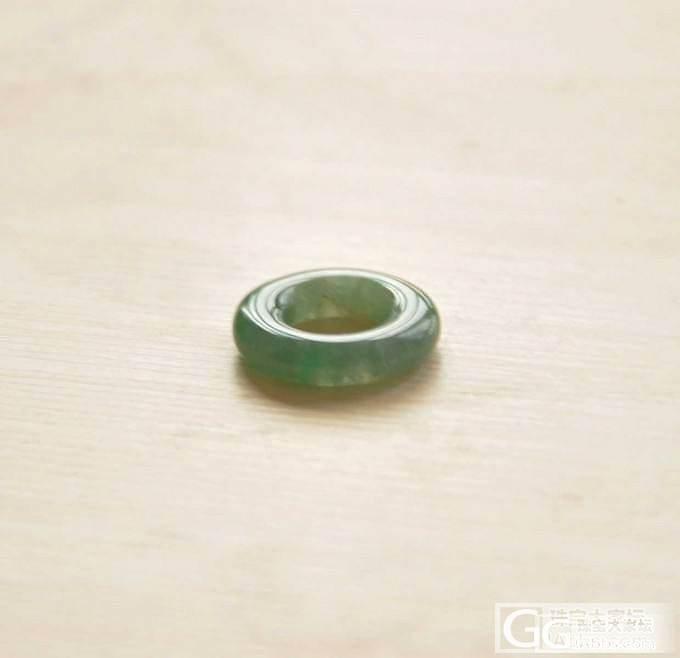 两个小小的精致挂件,福瓜和平安环,性价比还不错!_翡翠