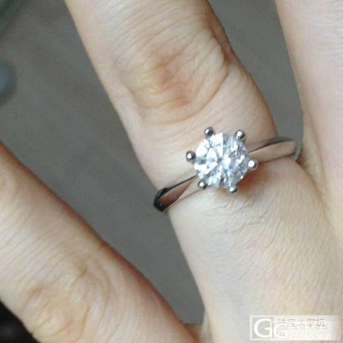晒自己的婚戒了。_钻石