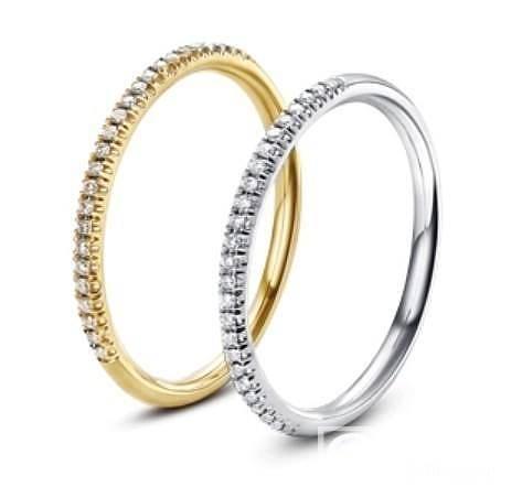 想买个18K白金戒指碎钻女式尾戒 ,坛里的大仙给个意见吧_珠宝