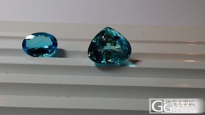 两颗不同产地的Paraiba对照_碧玺刻面宝石