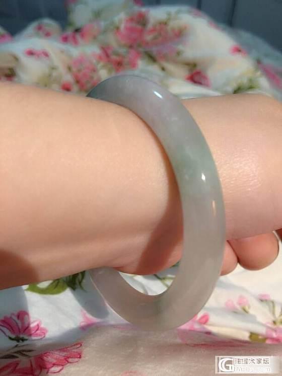 请帮我看看这个小圆条手镯怎么样,价值多少呢_翡翠