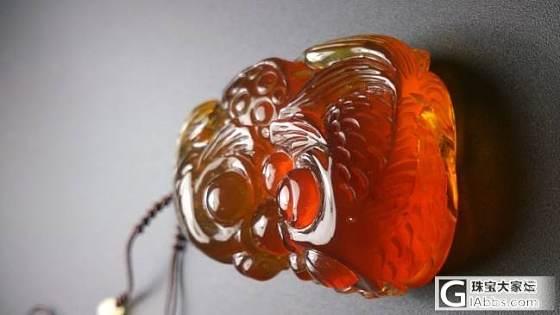 纯天然金棕珀双鱼戏珠,新年第一天,又来嘚瑟_琥珀