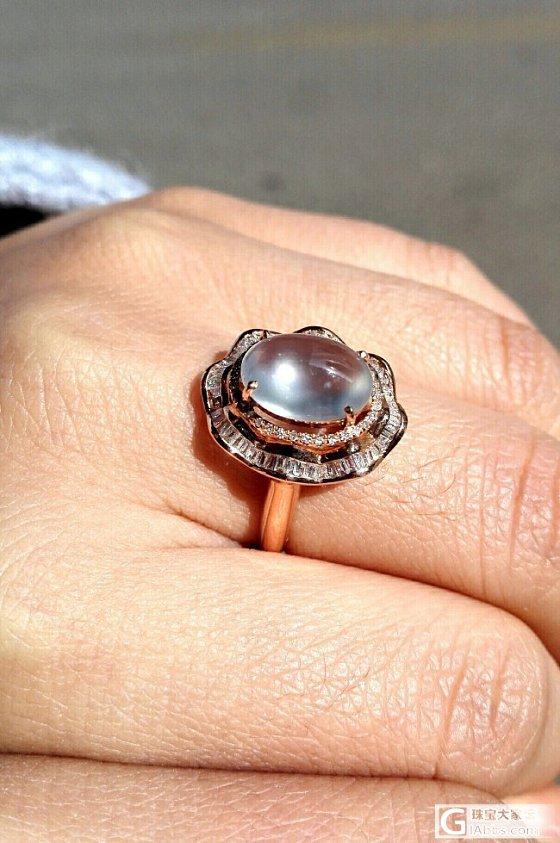 这戒指起的是荧光还是贼光,求指指点点_戒指翡翠