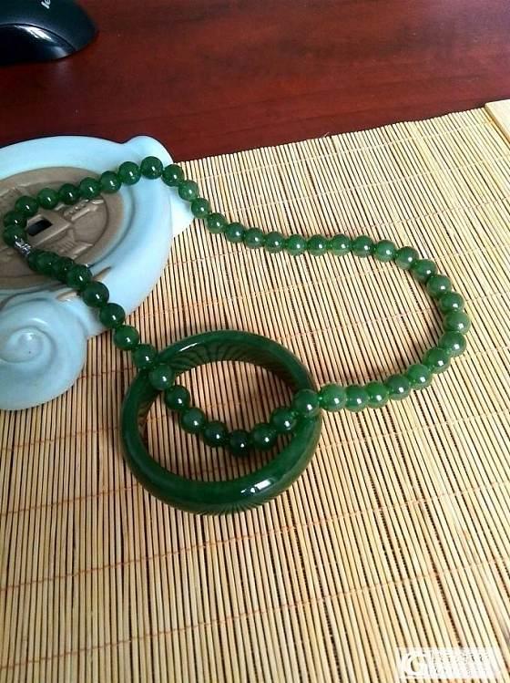 小精品!一套碧玉:项链和手镯!_传统玉石