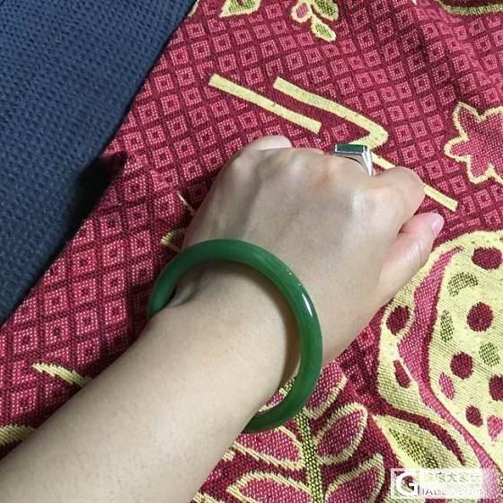 和田碧玉——菠菜绿阳绿各有所爱_和田玉碧玉手镯