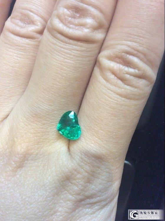 巴西祖母绿小而精致,颜色浓郁,绿的很舒服。_刻面宝石祖母绿