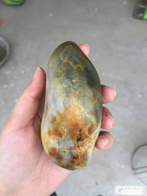 出手484.2克肉细带白肉青花籽料_传统玉石