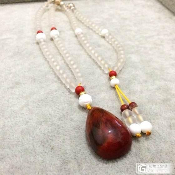 南红水滴与白水晶相遇的样子_珠串白水晶南红
