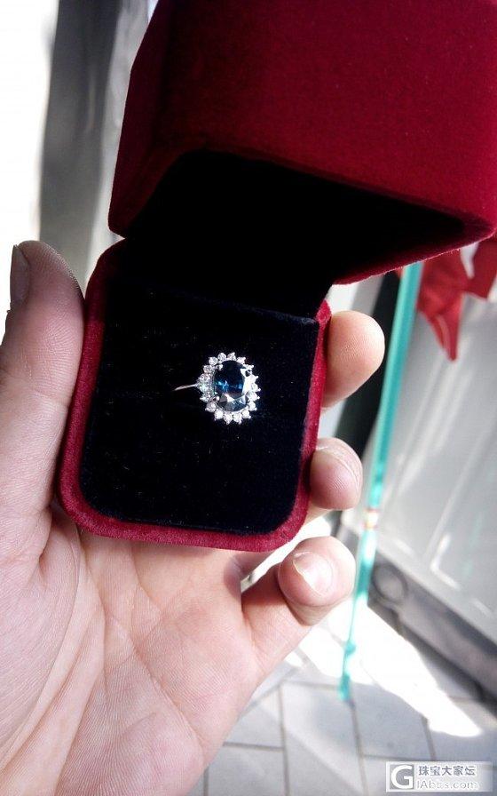 朋友斯里兰卡带回来的宝石,已经镶嵌成戒子,大大们帮忙看看石头怎么样?_名贵宝石