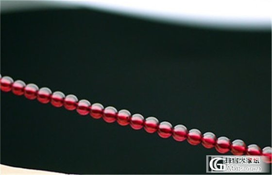 3mm小小的石榴石,感觉也挺好看的呢_珠串石榴石