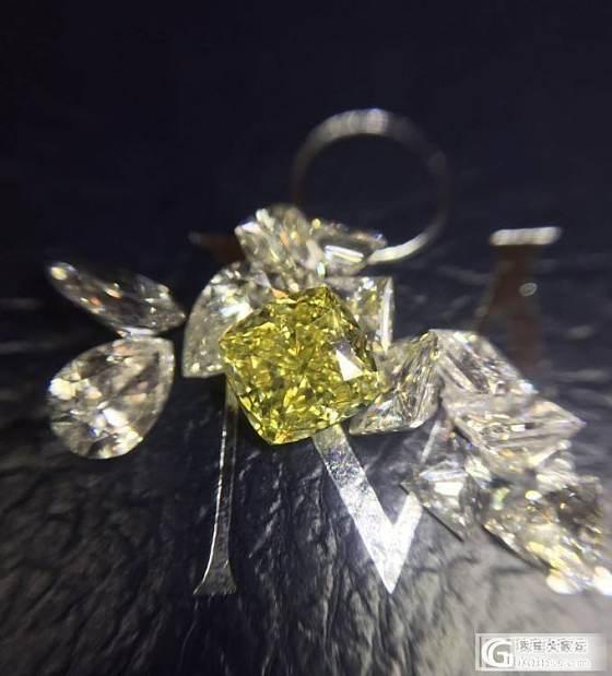 瑞璞珠宝小精品一颗 fiy 浓彩黄0.54克拉,净度达到了vvs1._钻石