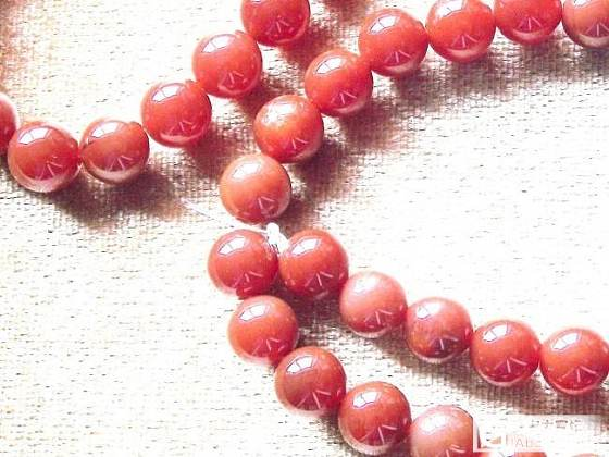 帮忙鉴定南红柿子红品质_珠串南红