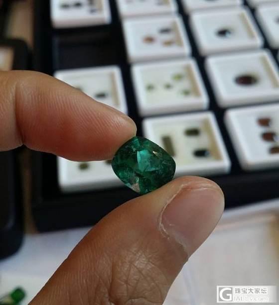 6.6克拉祖母绿,先不说品质如何,单单重量就很少啦_祖母绿