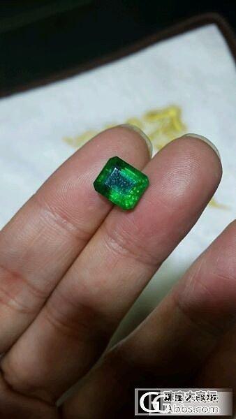 几颗还不错的赞比亚祖母绿戒面_珠宝