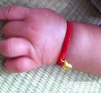 给刚出生的宝宝准备的礼物_编绳金