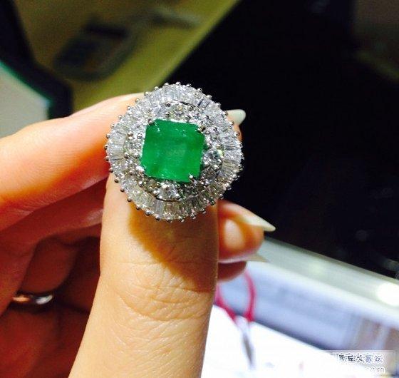 新入的祖母绿和另一颗小红宝_名贵宝石