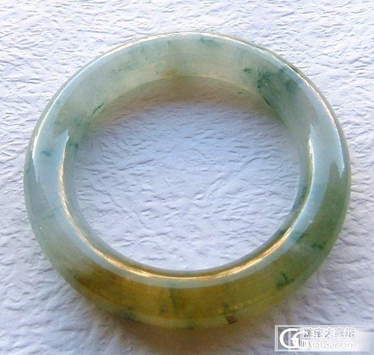 51小手妹子有福啦,亏出2个种老水足色美的三彩冰种胖圆条镯,满紫紫罗兰阳绿鸡油黄.
