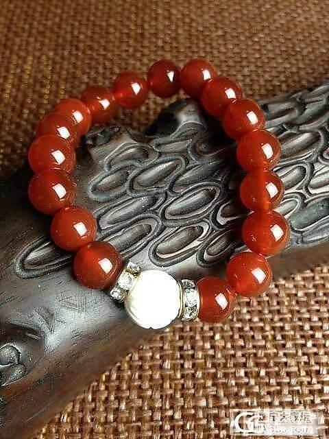 看看新来的红玛瑙手链,好稀饭呢!!_珠宝