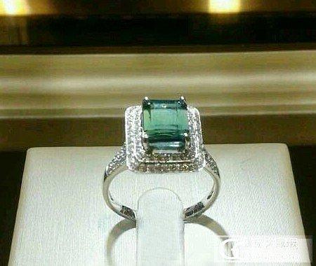 新手,刚入的蓝碧玺戒指,借卖家的图发上来给各位瞧瞧~_碧玺刻面宝石