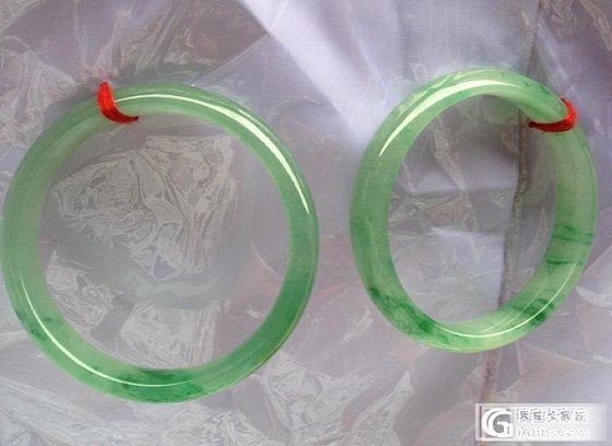 新出水的一对老种,绿水飘翠丝:大手们的手镯!_翡翠