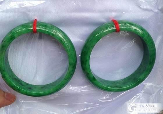 【老龙王】新出水的第二把:2条辣绿满色正庄镯!_翡翠