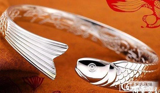 不知道淘宝上的百年宝诚的这款鱼手镯值得购买吗?_手镯银