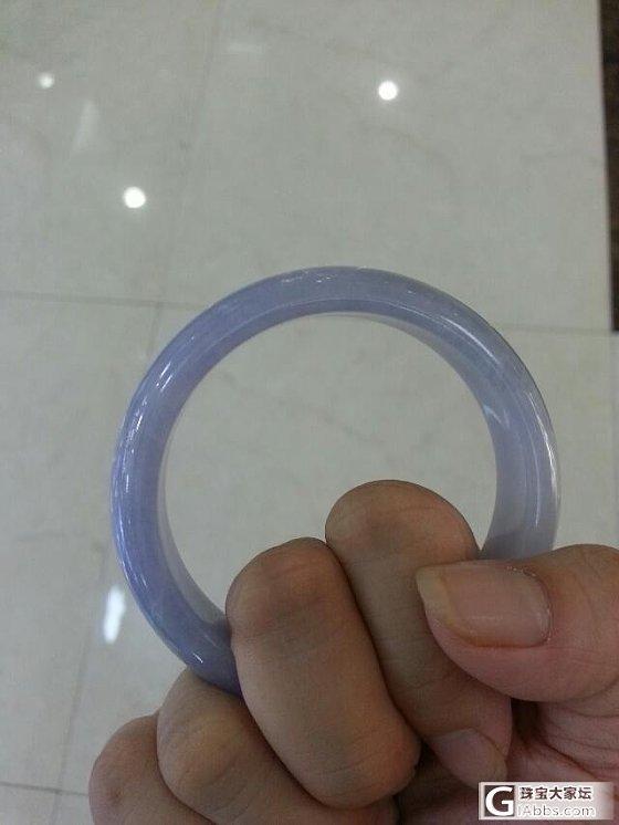 发一个今天看到的淡紫手镯 大家看怎么样呢_翡翠