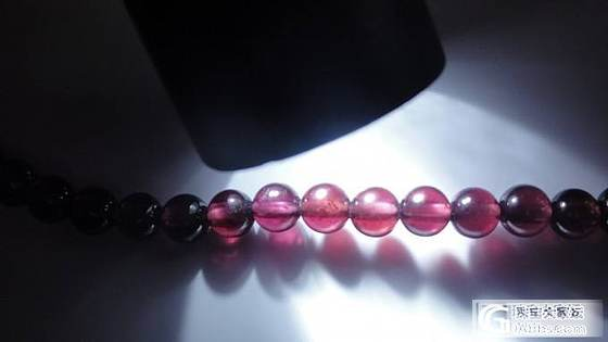 第一次买石榴石,没经验,大家帮我看看这算是顶级玻璃体石榴石吗?_珠宝