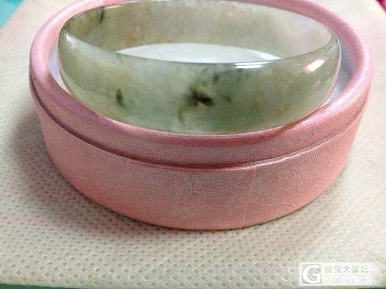 帮姐妹转一只冰糯种淡绿飘花带小紫52小手圆镯_珠宝