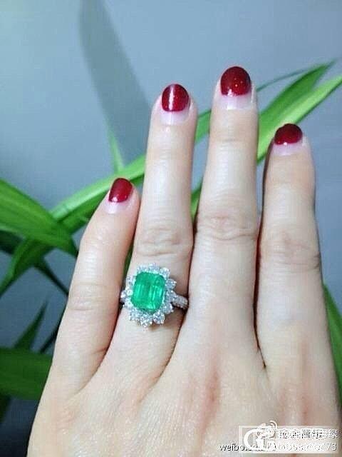当美丽宝石遇上精致戒托_祖母绿