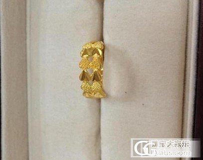 妈妈只收了戒指,说项链不适合她,项链转到隔壁 闲置了_项链戒指金