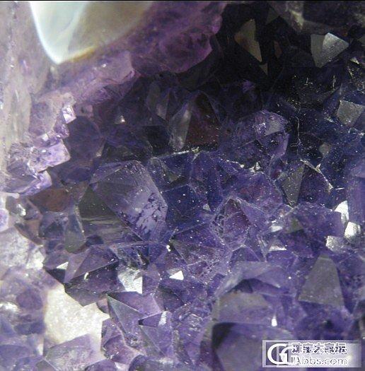 了解紫晶洞的高手来~紫晶洞被加色了~怎么去掉色~_洞盆簇