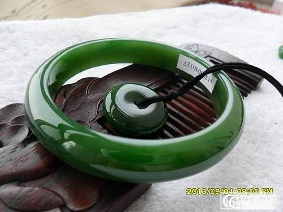 收藏级菠菜绿俄碧手镯60_传统玉石