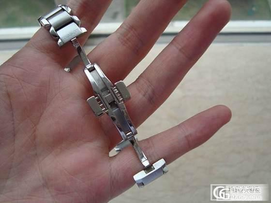 出一个闲置的全钢女石英表_手表
