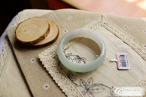 『蓝魔』水水润润的手镯,质地细腻,圈口62号_翡翠
