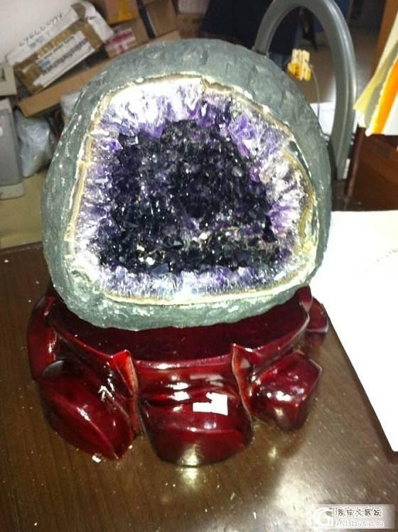 紫晶洞跟钱袋子_洞盆簇