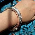 三朵深雕牡丹国色天香圆条手镯8.5元一克出