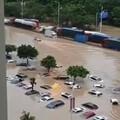 水漫广州,马路上荡舟,惊喜不惊喜🤣🤣🤣🤣🤣意外不意外😂